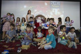 Alunos da Educação Infantil recebem visita do Papai Noel