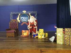 Papai Noel visita alunos do Pio XI