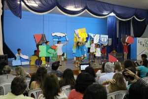 Fecon/Educarte segue com alunos apresentando trabalhos